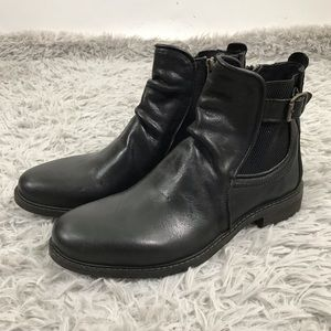 Men Loren Side-Zip Boots Black Leather 8.5